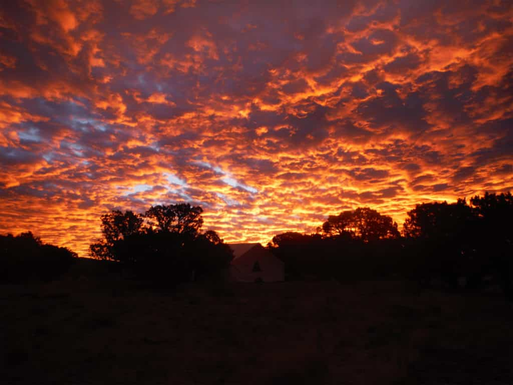 A beautiful sunset at Outback Therapeutic Expeditions for teens